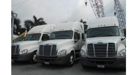 Xe đầu kéo mỹ freightliner cascadia Detroit DD15 đời 2011